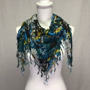 i jeans by Buffalo Floral Fringe Triangle Scarf
